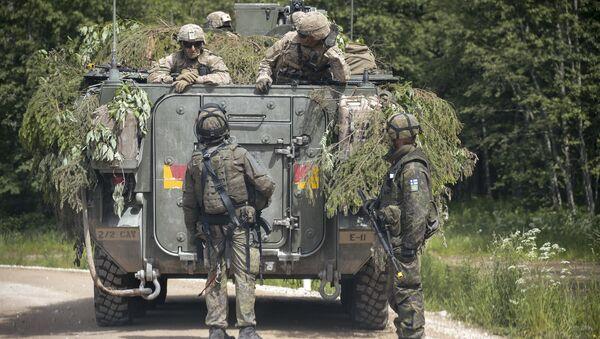 Ivres, des militaires de l'Otan blessés dans une bagarre en Lituanie - Sputnik France