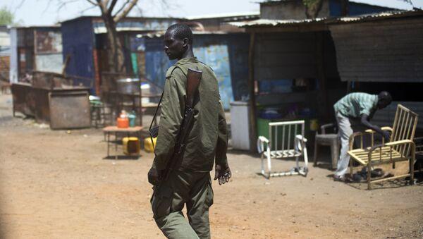 Un sud-soudanais armé - Sputnik France