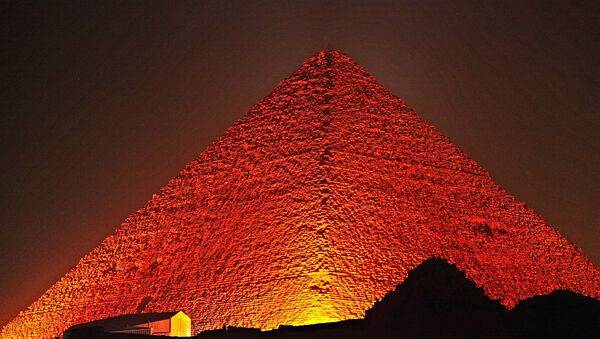 Great Pyramid of Giza at night - Sputnik France