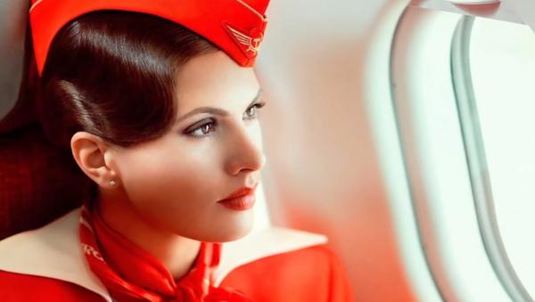 Une hôtesse de l'air comme une princesse - Sputnik France