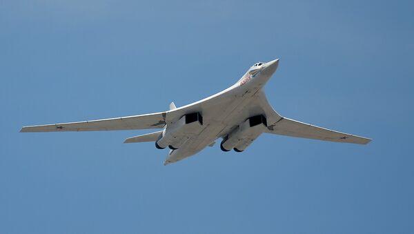 Un Tupolev Tu-160 - Sputnik France