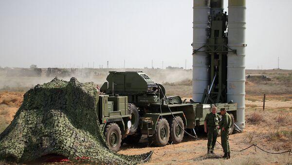 Le système de défense antiaérienne S-400 préparé pour les tirs - Sputnik France