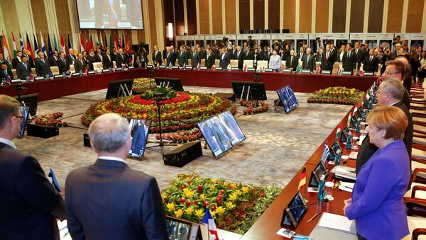 Minute de silence au sommet d'ASEM à Ulaanbaatar, Mongolie - Sputnik France