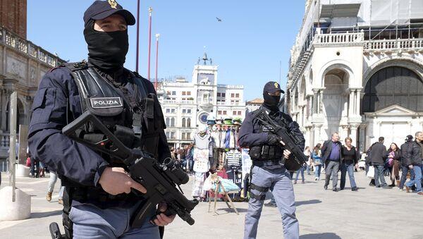 Policiers italiens - Sputnik France