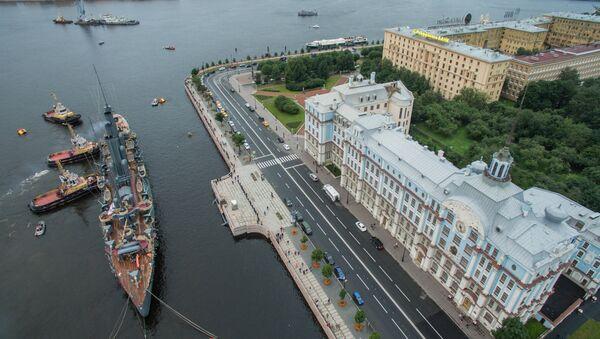 Le retour du croiseur légendaire Aurore à Saint-Pétersbourg - Sputnik France