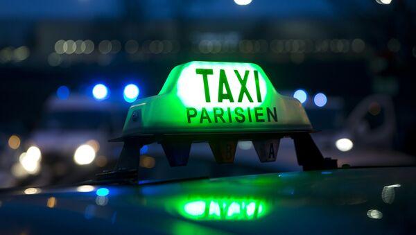 Un taxi parisien - Sputnik France