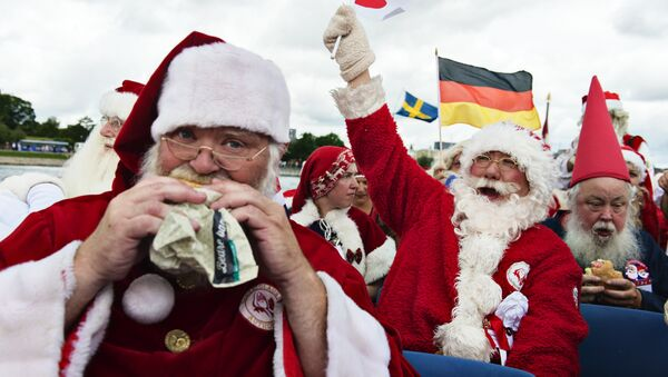 Santas from all over the world gather on July 18, 2016 for the 59th World Santa Convention - Sputnik France