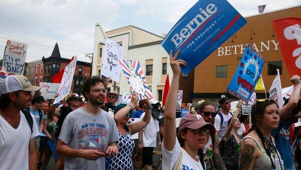 La manifestation des partisans de Bernie Sanders en Philadelphie - Sputnik France