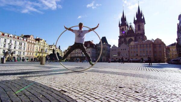 Spinning through Prague! - Sputnik France