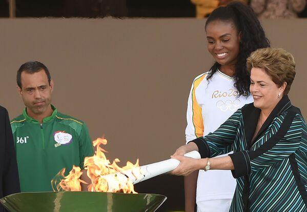 Le relais de la flamme olympique au Brésil - Sputnik France