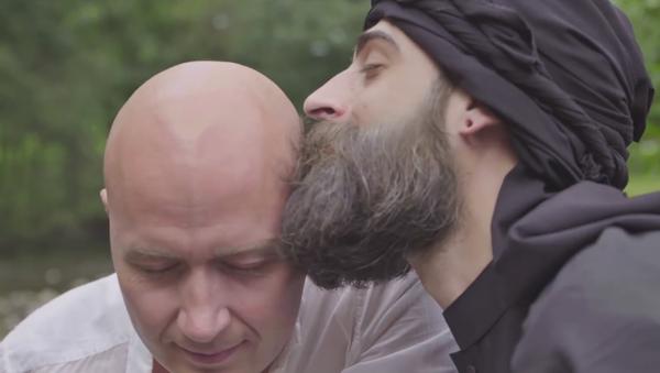 Un comédien norvégien se moque du chef de Daech dans une vidéo gay - Sputnik France