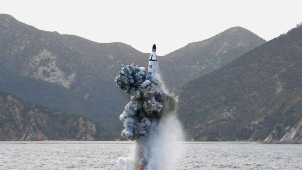 Un missile tiré depuis un sous-marin - Sputnik France