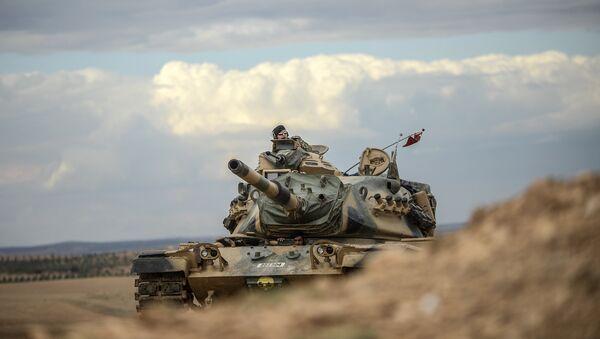 Des chars turcs près de la frontière syrienne (archive photo) - Sputnik France