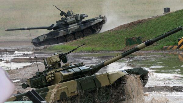 Des chars T-90 durant des exercices militaires - Sputnik France
