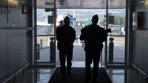 Policiers français à l'aéroport de Marignane - Sputnik France