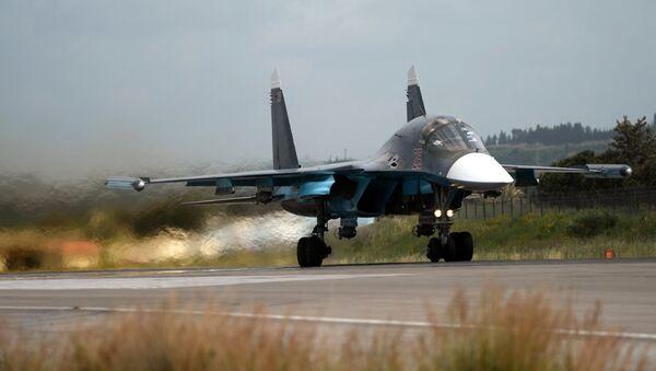 Un Su-34 russe en Syrie - Sputnik France