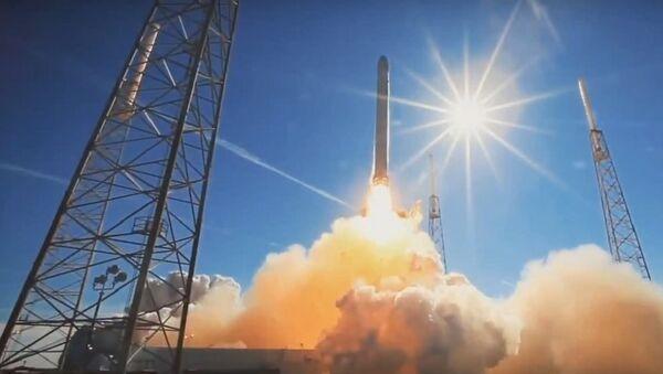 SpaceX Deploys 2 Communications Satellites in Orbit, Fails to Land Rocket - Sputnik France