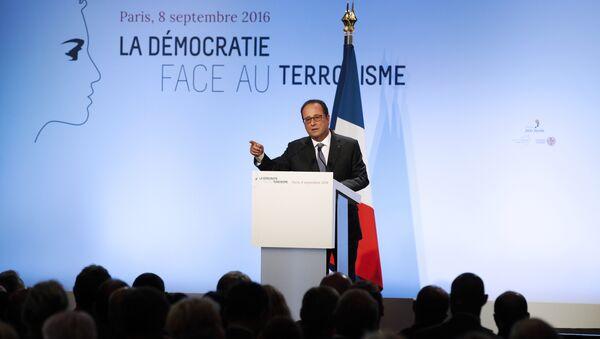 l'intervention de François Hollande dans la salle Wagram - Sputnik France
