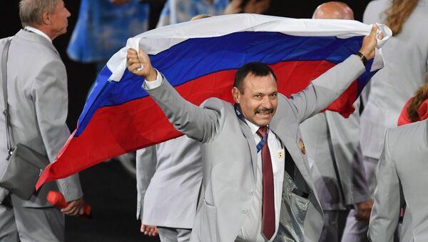 Drapeau russe aux Jeux paralympique de Rio: Un héros est né - Sputnik France