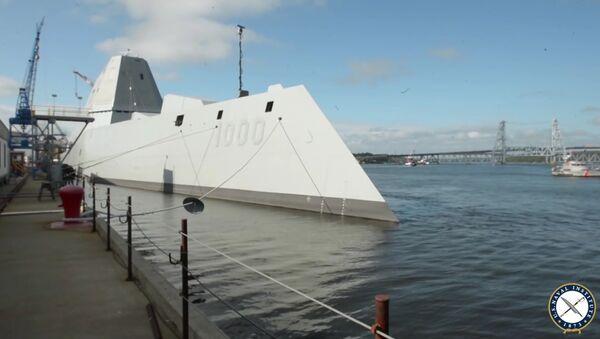 La mise à l'eau d'un navire furtif des USA diffusée sur internet - Sputnik France