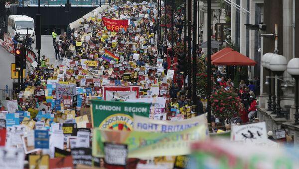 Des députés et des acteurs rejoignent la marche en faveur des migrants à Londres - Sputnik France
