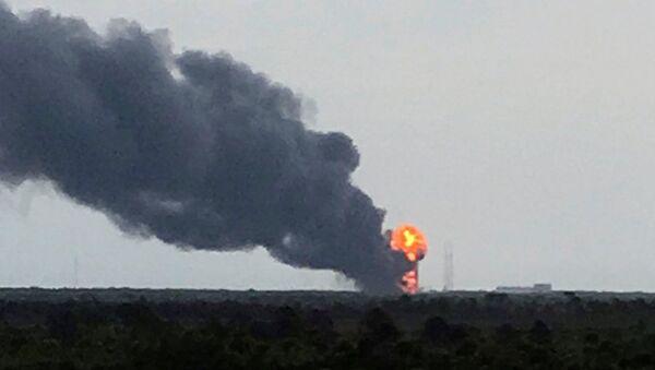 L'explosion de la fusée Falcon 9 - Sputnik France