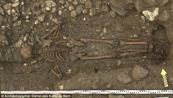 Découverte d'une tombe d'un homme mystérieux en Suisse - Sputnik France