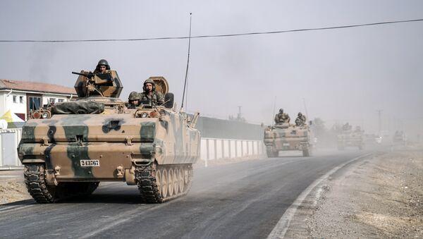 Chars turcs à la frontière syrienne - Sputnik France
