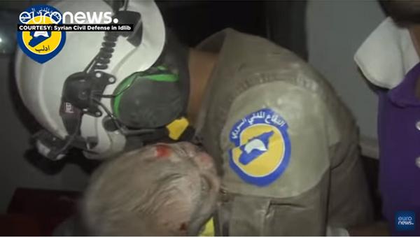 Sauvetage d'un bébé à Idlib - Sputnik France