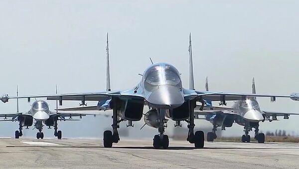 Des bombarders russes à l a base de Hmeimim en Syrie - Sputnik France