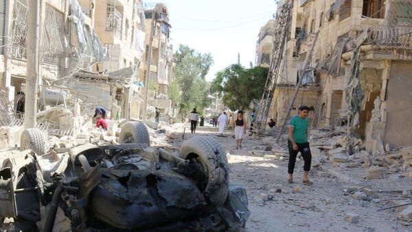 Les dégâts causés par un raid aérien contre un quartier contrôlé par les terroristes près d'Alep - Sputnik France