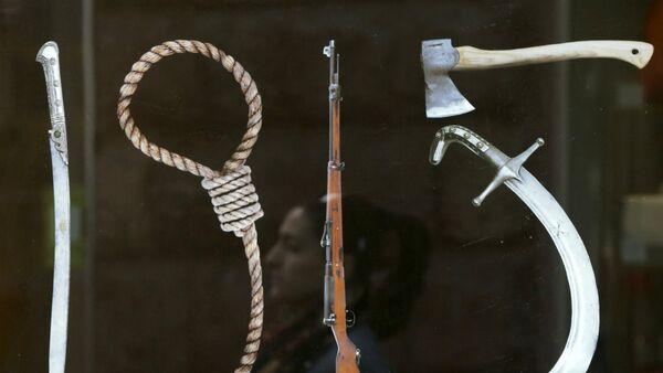 Un panneau représentant les Instruments du génocide de 1915 dans l'Empire ottoman - Sputnik France