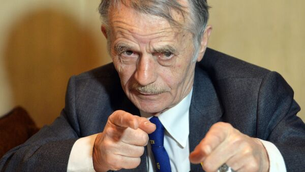 Mustafa Dzhemilev, historical leader of the Crimean Tatar National Movement and former Soviet dissident speaks to journalists during his interview for AFP in Kiev on May 6, 2014. - Sputnik France