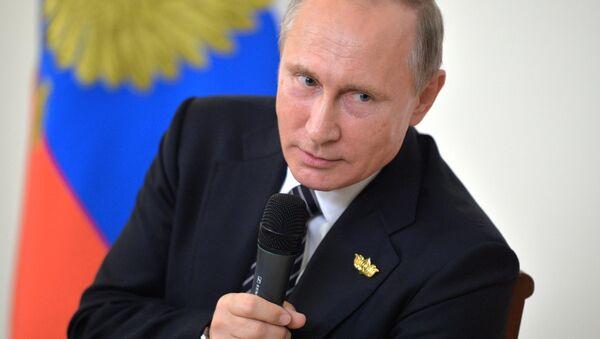 Poutine n'entend pas annuler les contre-sanctions - Sputnik France