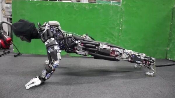 Ce robot japonais peut transpirer! - Sputnik France