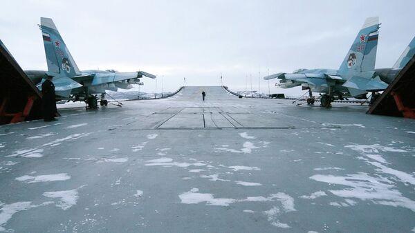 Su-33 à bord de l'Amiral Kouznetsov - Sputnik France