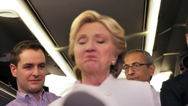 John Podesta et Hillary Clinton - Sputnik France