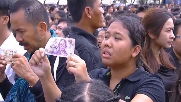 La Thaïlande chante son deuil à son roi décédé - Sputnik France