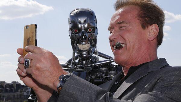 selfie de Schwarzenegger - Sputnik France