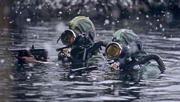 Бойцы отряда подводно-диверсионных сил и средств при выполнении боевой задачи в Баренцевом море - Sputnik France