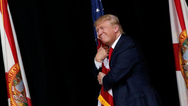 Donald Trump, candidato presidencial norte-americano do Partido Republicano, durante uma reunião com seus seguidores em Tampa, Flórida - Sputnik France