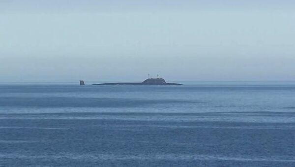 Атомная подводная лодка Северного флота Северодвинск в акватории Баренцева моря перед пуском крылатой ракеты Калибр - Sputnik France
