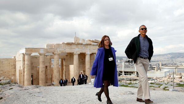 U.S. President Barack Obama tours the Acropolis with Dr. Eleni Banou from the Ministry of Culture in Athens, Greece November 16, 2016. - Sputnik France