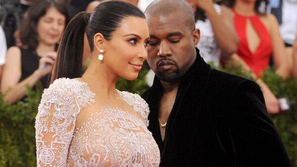 Kim Kardashian et Kanye West  - Sputnik France