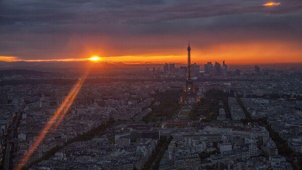 Tour Eiffel - Sputnik France