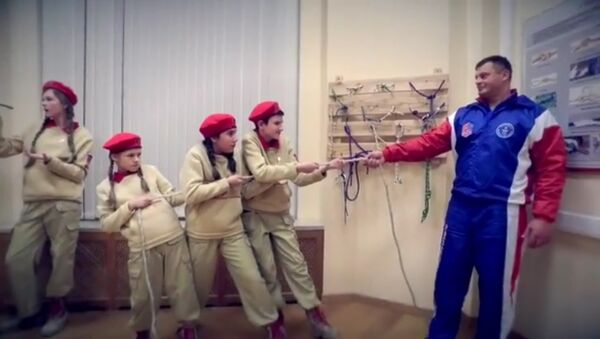 Quand le ministère russe de la Défense participe au #MannequinChallenge! - Sputnik France