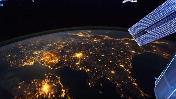 La terre de nuit depuis l'espace - Sputnik France