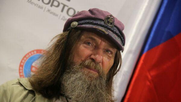 Путешественник Федор Конюхов в аэропорту Домодедово, куда он прибыл после перелета вокруг Земли на воздушном шаре Мортон - Sputnik France