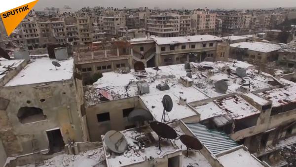 La première neige de 2016 sur Alep - Sputnik France