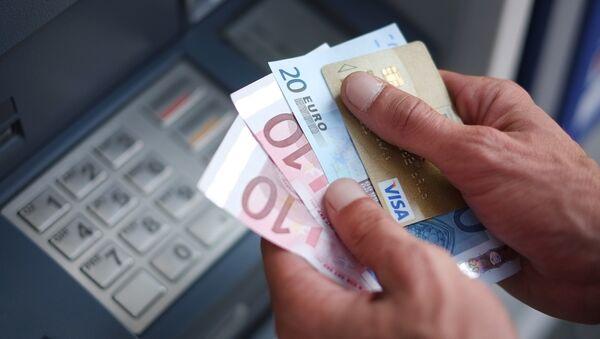 Une Indienne cherche le propriétaire des 13 M EUR versés sur son compte bancaire - Sputnik France